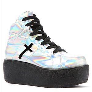 Unif hologram platforms trainers boot size 7